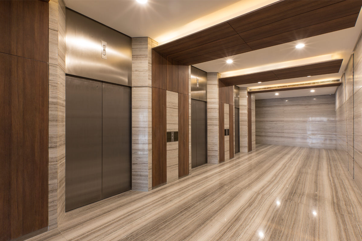 eastfiel-center_elevatorlobby